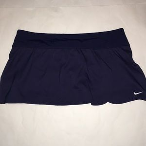 NWOT Nike Tennis skirt